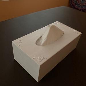 Hófehérke - Fa papírzsebkendő tartó, Otthon & Lakás, Tárolás & Rendszerezés, Zsebkendőtartó, Festett tárgyak, A natúr dobozra először kiemelkedő mintát tettem, majd alapoztam, ezután akrilfestékkel festettem.\n\n..., Meska