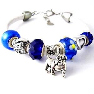 Angol Bulldog! - kék és fehér kutyás DOG MOM charm karkötő pandora stílusban bulldoggal, Ékszer, Karkötő, Charm karkötő, Gyöngyfűzés, gyöngyhímzés, Ékszerkészítés, Minimál stílusban kutyás anyuknak :)\nEgy kék alapon virág mintás pandora lámpagyöngyből, kék csiszol..., Meska