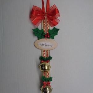 Karácsonyi csengettyűs ajtódísz, Otthon & Lakás, Karácsony & Mikulás, Karácsonyi kopogtató, Varrás, Jingle Bells, jingle bells, jingle all the way ....\nszól a legismertebb karácsonyi dal. Valóban csen..., Meska