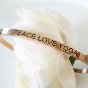PEACE LOVE YOGA rozsdamentes karkötő, Ékszer, Karkötő, Ékszerkészítés, Fémmegmunkálás, PEACE LOVE YOGA rozsdamentes karkötő. Szuper ajándék a jóga szerelmeseinek. \n\nEgyedileg tervezett ne..., Meska