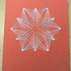 Hímzett karácsonyi képeslap, Karácsonyi képeslap, Karácsony & Mikulás, Otthon & Lakás, Hímzés, Színes vastagabb papírra hímzek hópihét, a karton belső oldalára pedig karácsonyi üdvözletet írok. A..., Meska