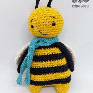 Horgolt méhecske, Más figura, Plüssállat & Játékfigura, Játék & Gyerek, Horgolás, A méhecske 100% pamut (OEKO-TEX Standard 100 minősítésű) fonalból amigurumi technikával, poliészterr..., Meska