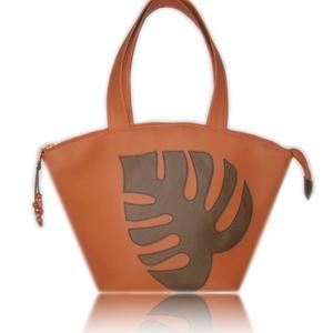 SIKK - Narancs textilbőr táska barna pálmalevéles, Táska, Táska, Divat & Szépség, Válltáska, oldaltáska, Varrás, Elegáns, dekoratív, egyedi.\n\nA szép formájú táska narancsszínű textilbőrből készült, az elején barna..., Meska