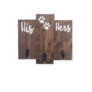 Fali kulcs és póráztartó (tagolt), Otthon & lakás, Dekoráció, Kép, Lakberendezés, Állatfelszerelések, Kutyafelszerelés, Tárolóeszköz, Famegmunkálás, Festett tárgyak, Családi kulcs és póráztartó.\nA ház úrnőjénel, Urának és a Kutyusnak.\nHelyes kis előszobai fogas, ame..., Meska