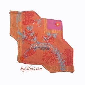 23 cm-es mosható intim betét, női betét - narancs mintás #4, Táska, Divat & Szépség, Szépség(ápolás), Egészségmegőrzés, Fürdőszobai kellék, NoWaste, Textilek, Menstruációs bugyi, Varrás, 23 cm-es mosható intim betét, női betét - narancs mintás #4\n\nTest felőli réteg: pamutvászon\nMag: jó ..., Meska