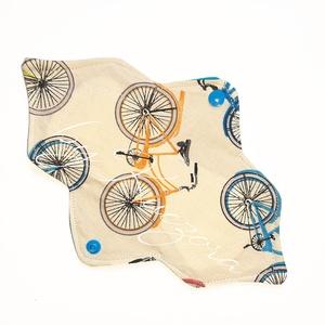 23 cm-es mosható intim betét, női betét - bicikli, kerékpár #2, Táska, Divat & Szépség, Szépség(ápolás), Egészségmegőrzés, Fürdőszobai kellék, NoWaste, Textilek, Varrás, 23 cm-es mosható intim betét, női betét - bicikli, kerékpár #2\n\nTest felőli réteg: színes pamutvászo..., Meska