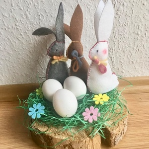 Húsvéti nyulak filzből 3 db- fehér-szürke barna, Gyerek & játék, Játék, Játékfigura, Kedves kis asztaldekorációk, de játéknak is kiválóak, ezek a gyapjúval töltött nyuszikák.. fülük lek..., Meska