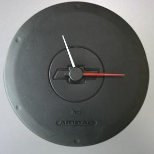 Chevrolet autóalkatrészből fali óra, Lakberendezés, Otthon & lakás, Falióra, óra, Ékszer, Bútor, Mindenmás, Chevrolet kormánylégzsák borításából készítettem ezt a fali órát.  Különlegessége,hogy a mutatók az ..., Meska