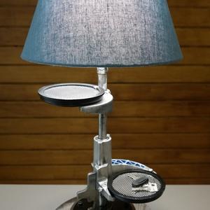 Autó alkatrészből , váltóból asztali lámpa - Meska.hu