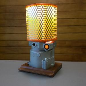 Autó alkatrészből asztali lámpa, Otthon & Lakás, Lámpa, Asztali lámpa, Mindenmás, Személyautó nagynyomású üzemanyag szivattyújából készítettem ezt a kis asztali lámpát.\nA lámpa külön..., Meska