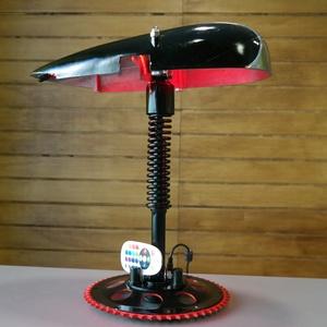 """Motor alkatrészből lámpa, Otthon & Lakás, Lámpa, Asztali lámpa, Mindenmás, Motorkerékpár alkatrészeiből készítettem ezt az asztali ledes lámpát. A \""""talpa\"""" egy lánckerék a \""""szá..., Meska"""