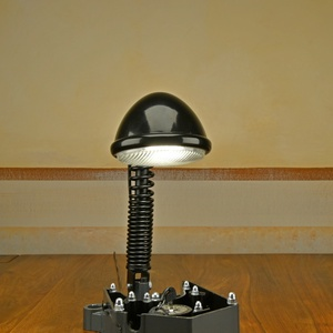 Motor alkatrészből  készült asztali lámpa - Meska.hu