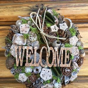 Welcome Kopogtató, ajtódísz száraz termésekkel, Otthon & lakás, Dekoráció, Lakberendezés, Koszorú, Ajtódísz, kopogtató, Virágkötés, A koszorú többféle Natúr és festett termést tartalmaz . Welcome táblával  Átmérője kb. 24cm. A koszo..., Meska