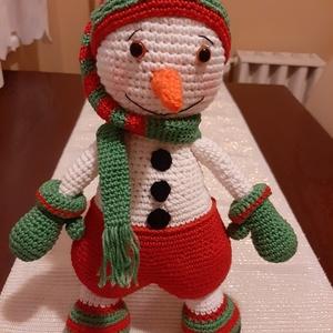 Horgolt hóember, Gyerek & játék, Baba-mama kellék, Gyerekszoba, Játék, Baba játék, Horgolás, Eladásra készült ez a horgolt mosolygós hóember. Teljesen bababarát fonallal dolgoztam, így akár kic..., Meska