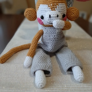 Horgolt majom, Gyerek & játék, Játék, Baba játék, Játékfigura, Plüssállat, rongyjáték, Horgolás, Cuki kismajom várja, hogy apró kis kezek szeretgesség ölelgessék. Annyira bájos, hogy nem lehet neki..., Meska