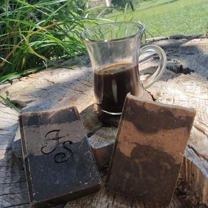 Kávés dörzsis szappan kávé illattal, Táska, Divat & Szépség, Szépség(ápolás), Krém, szappan, dezodor, Natúrszappan, Kozmetikum készítés, Szuper bőrradírozó hatással rendelkezik.\n\nSúlya: 110-120g, Meska