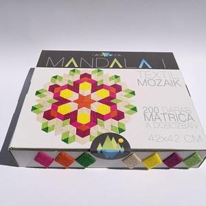 Textil mozaik matrica készlet - MANDALA I., Dekoráció, Otthon & lakás, Játék, Gyerek & játék, Lakberendezés, Készségfejlesztő játék, Mozaik, Újrahasznosított alapanyagból készült termékek, A caraWonga mandalái egy olyan DIY készlet, mely öntapadós, színes textil mozaik darabkákat tartalma..., Meska