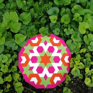 Textil mozaik matrica készlet -MANDALA V., Textil, Mozaik, Mindenmás, A caraWonga mandalái egy olyan DIY készlet, mely öntapadós, színes textil mozaik darabkákat tartalma..., Meska