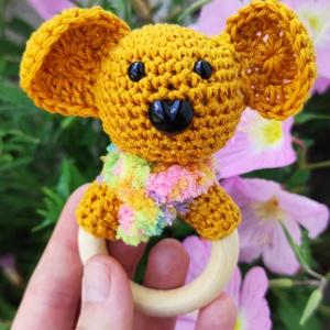 \'Rita, a koala\' horgolt 2 az 1-ben baba rágóka és csörgő, Játék & Gyerek, 3 éves kor alattiaknak, Csörgő, Horgolás, Rita, a koala, a legkisebbeknek készült, és már nagyon várja, hogy szerető gazdája rátaláljon. Natúr..., Meska