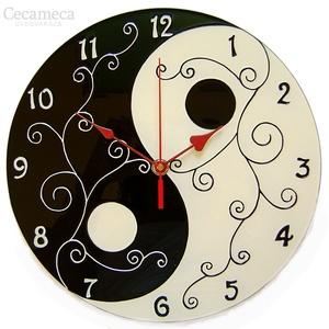 Yin-yang (jin-jang)  fekete-fehér falióra, Lakberendezés, Otthon & lakás, Falióra, óra, Esküvő, Nászajándék, Festészet, Üvegművészet, A yin és a yang (jin-jang) az őselemek egymásra hatásának jelképe: negatív és pozitív, víz és tűz, n..., Meska
