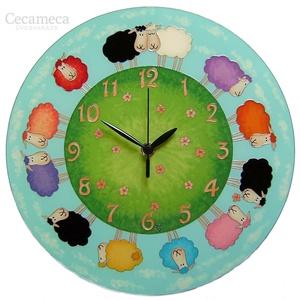 Virágos báránykák  falióra, Otthon, lakberendezés, Esküvő, Falióra, óra, Nászajándék, Festészet, Festett tárgyak, Mesebeli hangulatot idéző, üvegfestett, egyedi készítésű falióra. Kedves motívumaival, vidám színei..., Meska