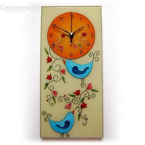 Kék madárkák falióra, Otthon & lakás, Esküvő, Lakberendezés, Falióra, óra, Nászajándék, Egyedi készítésű, üvegfestett falióra. A boldogság kék madarait idézi, akik virágindát fütyülnek.  A..., Meska