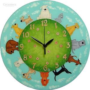 Kutyatár  falióra - saját kutyáddal -fotó alapján, Otthon & lakás, Lakberendezés, Falióra, óra, Gyerek & játék, Gyerekszoba, Festett tárgyak, Üvegművészet, A kerek világ falióra sorozat legújabb eleme.\nKifejezetten kutyarajongóknak, állatszeretőknek, vidám..., Meska