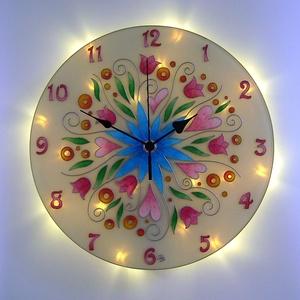 Tulipános fantázia falióra világítással, Lakberendezés, Otthon & lakás, Falióra, óra, Lámpa, Hangulatlámpa, Üvegművészet, Festészet, Romantikus hangulatot idéző, üvegfestett, egyedi készítésű falióra, mely az óralap hátoldalán találh..., Meska