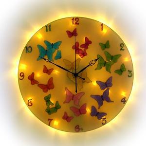 Pillangók tánca falióra világítással, Lakberendezés, Otthon & lakás, Esküvő, Nászajándék, Falióra, óra, Festészet, Festett tárgyak, Nappal falióra, ha eljön az este és bekapcsolod a világítást, varázslatos fényekkel tölti meg a szob..., Meska