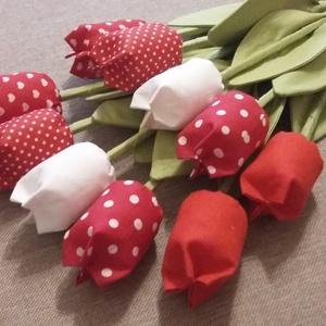 Tavaszi tulipánok (10db/szett), Csokor & Virágdísz, Dekoráció, Otthon & Lakás, Varrás, Piros minden mennyiségben....\nNagy tulipáncsokor piros, és fehér színekkel kár kétfelé szedve is szé..., Meska