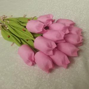 Rózsaszín tulipánok katicával (12db/szett), Csokor & Virágdísz, Dekoráció, Otthon & Lakás, Varrás, Tulipáncsokor világos rózsaszínben.\n A levele merevítve van,a szára bambusz, ami nem törik,mint a hu..., Meska