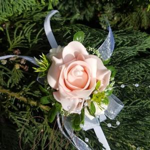 Csuklódísz rózsaszín habózsából, Esküvő, Karkötő & Csuklódísz, Ékszer, Divatos kiegészítője az esküvőknek a csuklódísz. Adhatjuk a hölgy tanúnak, örömszülőknek, de a kiseb..., Meska