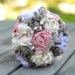 """""""Baronesse"""" Ceffa ékszer csokor, Esküvő, Menyasszonyi- és dobócsokor, """"Baronesse"""" ékszer csokor  Halvány rózsaszín-púder-latte színekben pompázó kézzel készített kézműves..., Meska"""