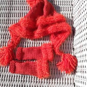 Női narancs színű, selymesen puha meleg sapka hozzá illő ugyan olyan színű ujjatlan kesztyűvel  eladó. , Ruha & Divat, Sál, Sapka, Kendő, Sapka & Sál szett, Női narancs színű, selymesen puha meleg sapka hozzá illő ugyan olyan színű ujjatlan kesztyűvel  elad..., Meska