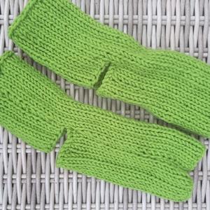 Kiwi színű pamut jóga zokni, lábszár melegítő   eladó, Ruha & Divat, Sál, Sapka, Kendő,  Kiwi színű pamut fonalból készült jóga zokni eladó Szára hossza kb 16 cm Személyes átvétel jelenleg..., Meska