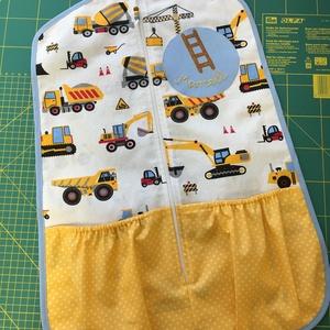 Munkagépes ovis zsák, Ovis zsák, Ovis zsák & Ovis szett, Játék & Gyerek, Varrás, Munkagépes anyagból készült ovis zsák - feltettem hozzá pár fényképet amin különböző zseb- és szegél..., Meska