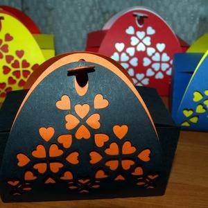 Szivecskés színes ajándékdobozok többféle színben 5 db, Otthon & Lakás, Díszdoboz, Dekoráció, Papírművészet,  Esküvőre, születésnapra, névnapra, valentin napra...  Kartonpapírból lézervágással készített magya..., Meska