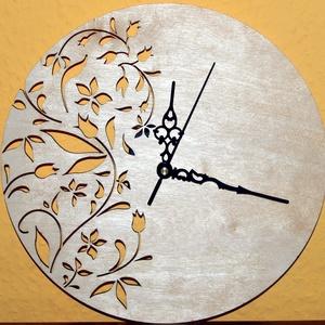 Szép virágmintás fából készült  falióra - natúr, Ékszer, Dekoráció, Otthon & lakás, Lakberendezés, Falióra, óra, Famegmunkálás, Fából, kézzel és lézervágással készített magyar termék, új. Termékeim között több színben is megtalá..., Meska