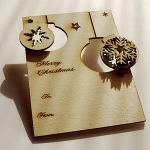 Karácsonyi ajándékkísérő, üdvözlőlap fából többféle színben, Ajándékkísérő, Papír írószer, Otthon & Lakás, Famegmunkálás, Kézzel és lézerrel készített magyar termék fából.\nMérete: 7,5 x 10 cm, Meska