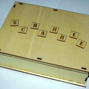 """Fa SCRABBLE szókirakó játék, Társasjáték & Puzzle, Játék & Gyerek, Famegmunkálás, Fából készült SCRABBLE társasjáték, fadobozban, 2 db betűtartóval.\nBetűk:\n2 üres zseton (\""""joker\""""), 0..., Meska"""