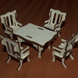 Fa babaház bababútorok - ebédlőasztal 4 székkel, Gyerek & játék, Játék, Baba, babaház, Famegmunkálás, Fából, kézzel és lézervágással készített magyar termék, új.\n\nIgény szerint festve is kérhető.\n\nMéret..., Meska