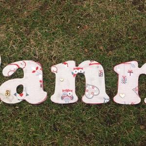 Egyedi gyerekszoba dekoráció - bagoly mintás betűk saját névvel, Betű & Név, Dekoráció, Otthon & Lakás, Famegmunkálás, Fából, kézzel és lézervágással készített magyar termék, új.\n\nIgény és megegyezés szerint más méretbe..., Meska