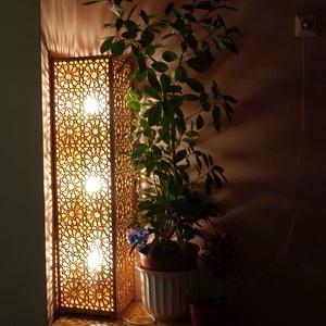 Marokkói mintás állólámpa, hangulatvilágítás, Állólámpa, Lámpa, Otthon & Lakás, Famegmunkálás, Kellemes, izgalmas, romantikus hangulatot árasztó asztali lámpa, gesztenye színben. \n3 db 7W -os égő..., Meska