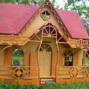 Babaház  fából bútorozva, Babaház, Baba & babaház, Játék & Gyerek, Famegmunkálás, Fából készített, festett, bútorozható babaház, ajtóval, három oldalán ablakokkal. Hátul nyított, így..., Meska
