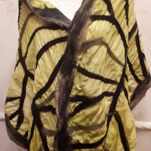 """nuno nemez selyem sál \"""" Sárga Levélke \"""", Táska, Divat & Szépség, Ruha, divat, Sál, sapka, kesztyű, Sál, Nemezelés, Selyemfestés, 100 % selyem és a legfinomabb ausztrál merinói gyapjúból készült sál , Egyedi iparművész alkotás. A ..., Meska"""