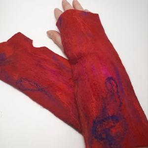 """nemez kézmelegítő \"""" piros és ciklámen \"""", Táska, Divat & Szépség, Ruha, divat, Sál, sapka, kesztyű, Kesztyű, Nemezelés, 100 % ausztrál merinó gyapjúból és selyemből  készült egyedi kézmelegítő . Iparművész tervezés ami n..., Meska"""