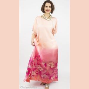 SELYEM ALKALMI RUHA KÉZZEL FESTETT PÚDER RÓZSASZÍN LÓTUSZOKKAL, Ruha & Divat, Női ruha, Alkalmi ruha & Estélyi ruha, Selyemfestés, 100%  selyem twill  alkalmi ruha púder rózsaszín  lótuszokkal , kizárólag kézzel festett professzion..., Meska