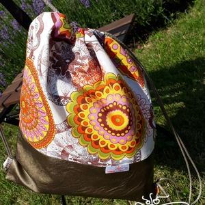 Gymbag / Fesztiválbag /hátizsák bronz textilbőr alappal, színes lenvászon felső résszel, Táska, Táska, Divat & Szépség, Hátizsák, Varrás, Fiatalos fesztiváltáska/gymbag, a jól ismert divatos tornazsák fazonban.\nAlsó része finom, puha text..., Meska