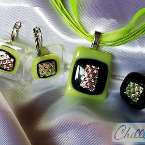 Lime zöld csillogó csoda - dichroic üvegékszer medál fülbevalóval és gyűrűvel, Ékszer, Medál, Fülbevaló, Gyűrű, Ékszerkészítés, Üvegművészet, Átlátszó, fekete és lime zöld ékszerüvegből, valamint gyönyörű ciklámen-arany-zöld színjátszó dichro..., Meska