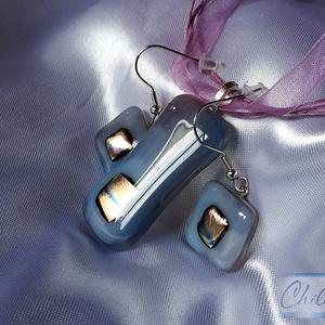 Halvány lila ametiszt - áttetsző üvegékszer medál és füli szett színjátszó arany fémes csillogással, Ékszerszett, Ékszer, Ékszerkészítés, Üvegművészet, Fusing technikával készítetten ezt az átlátszó lila medált a hozzá illő lógós fülivel, közepükön ara..., Meska